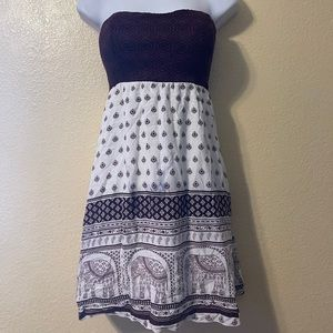 maroon and white strapless printed cocktail dress